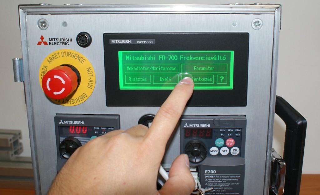 Mitsubishi frekvenciaváltó kijelző GOT1000 HMI főkép